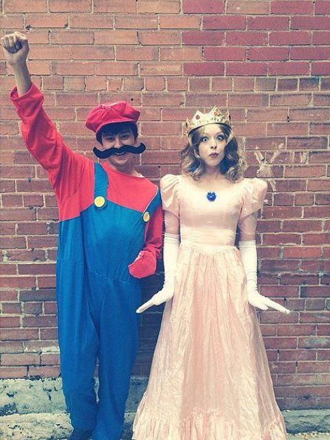 Mario and the Princess costumes for game fans