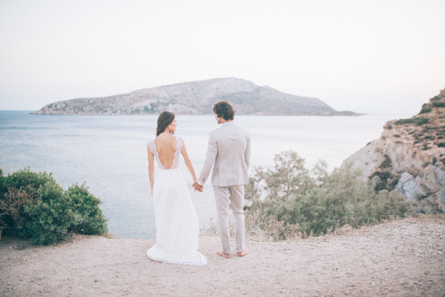 Cliffside wedding in Greece | Paulina Weddings Photography