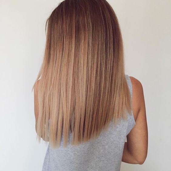 caramel straight hair with brown roots