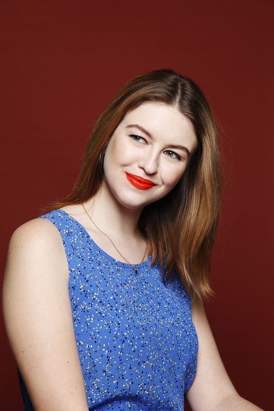 bright ornage lips for a cool-toned face