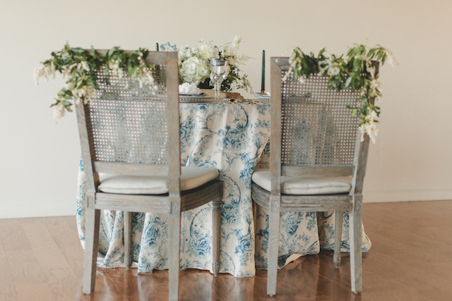 East coast wedding color palette and sweetheart table | About Time Photography