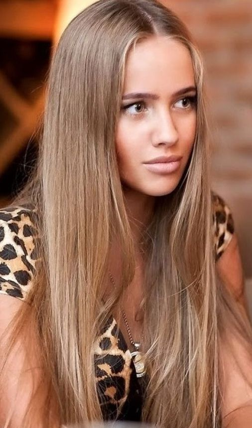 ash caramel hair for a soft and warm look