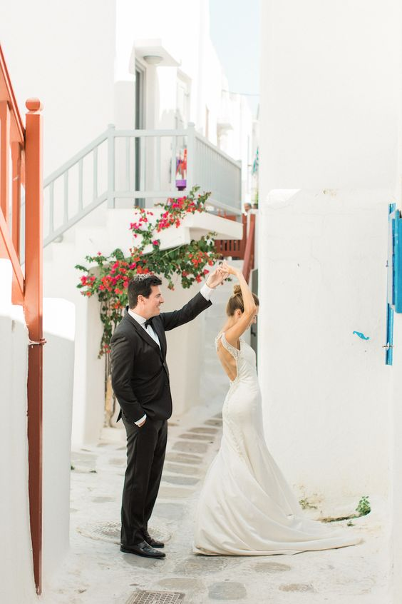 elegant white setting with flowers is great for a wedding