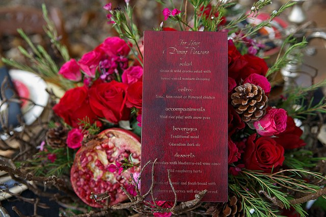 Stained wood menu card | SYPhotography