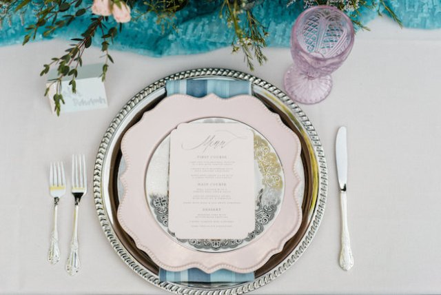 The table setting was infused wwith serenity blue and rose quartz