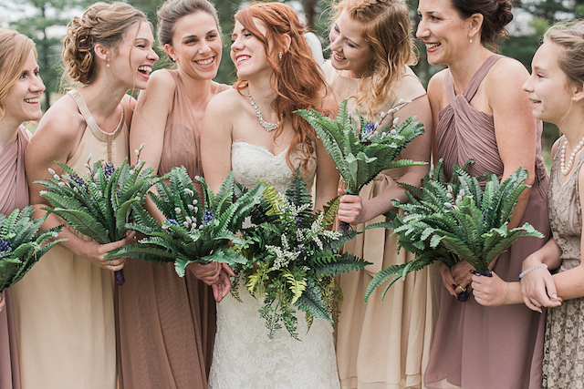 Bridesmaids with fern bouquets | Ashley Link Photography