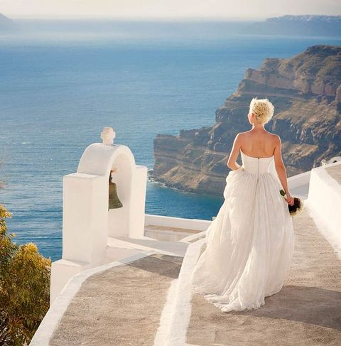 feel a Greek goddess coming down the stairs to your groom