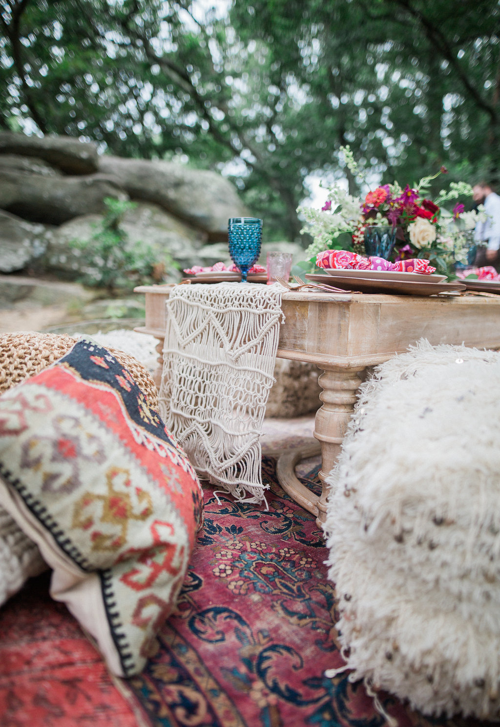 macrame table runner - http://ruffledblog.com/nomadic-cliffside-elopement-inspiration