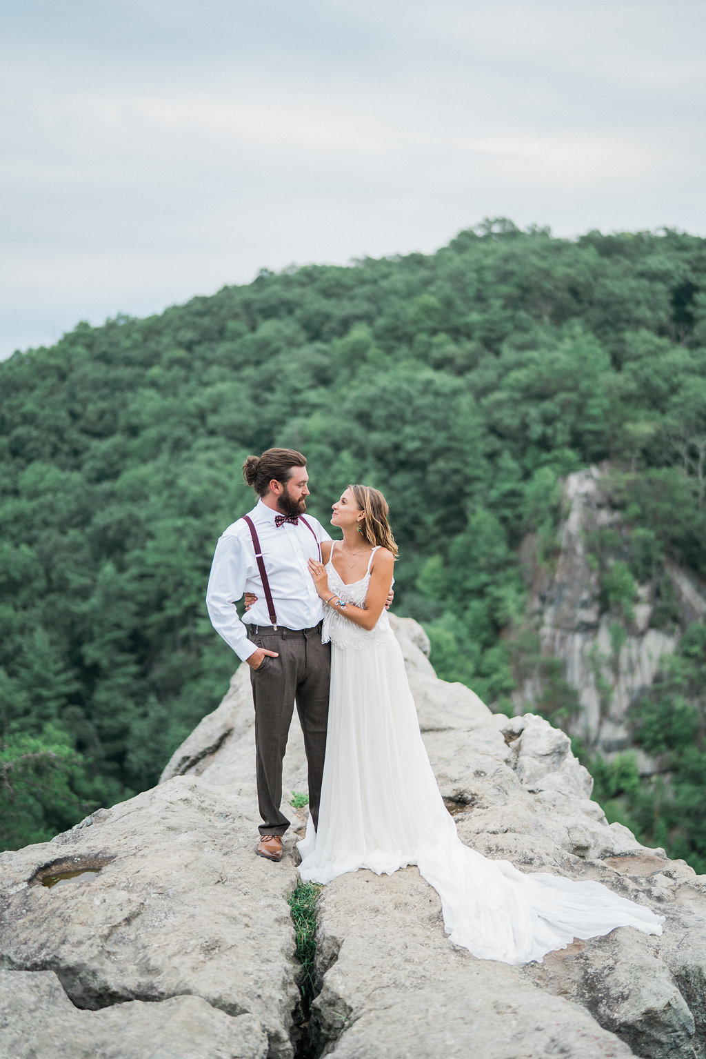 mountain wedding inspiration - http://ruffledblog.com/nomadic-cliffside-elopement-inspiration