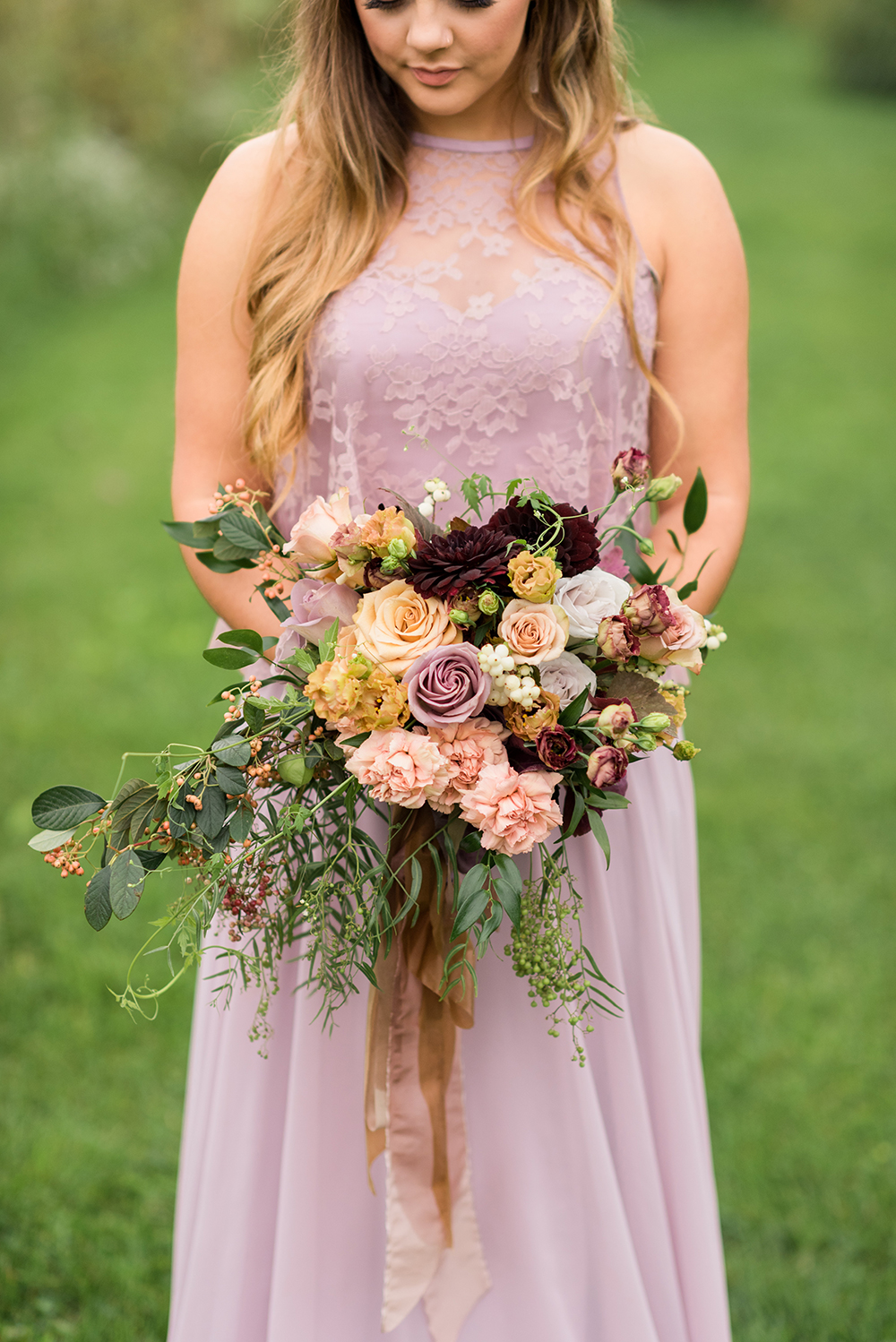 fall bouquet - photo by Christa Breaugh Photography http://ruffledblog.com/early-fall-wedding-ideas