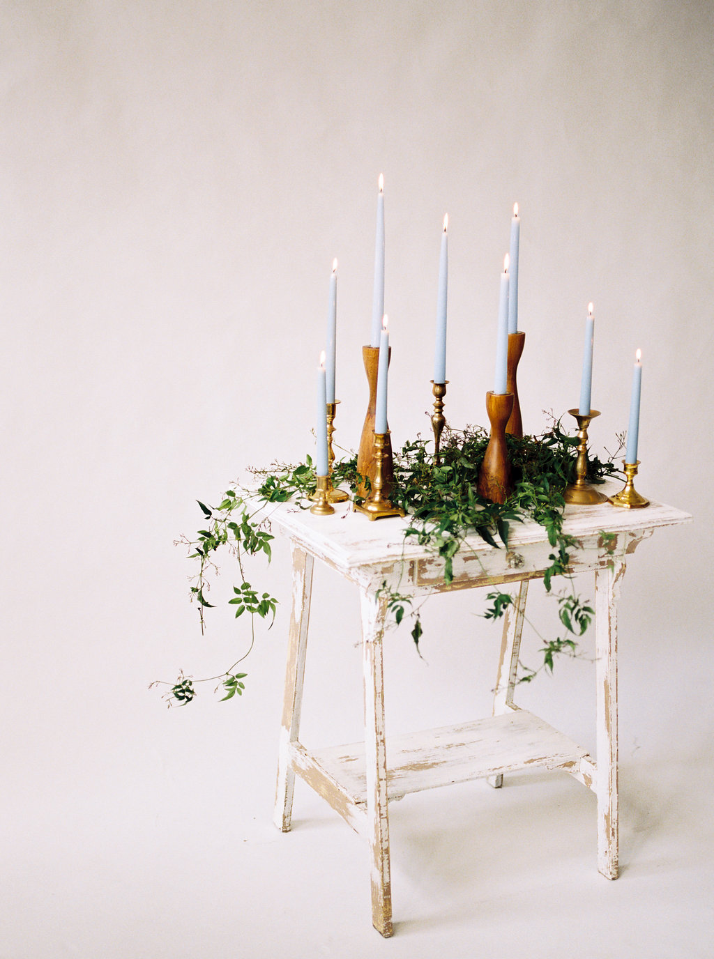 candle display - photo by Jamie Rae Photo http://ruffledblog.com/serenity-blue-wedding-inspiration