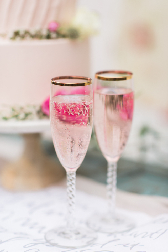 Pink champagne | Joy Michelle Photography