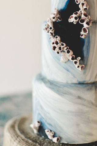 Barnacle wedding cake | About Time Photography