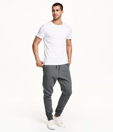 How to wear Sweatpants and Joggers for Men (12)