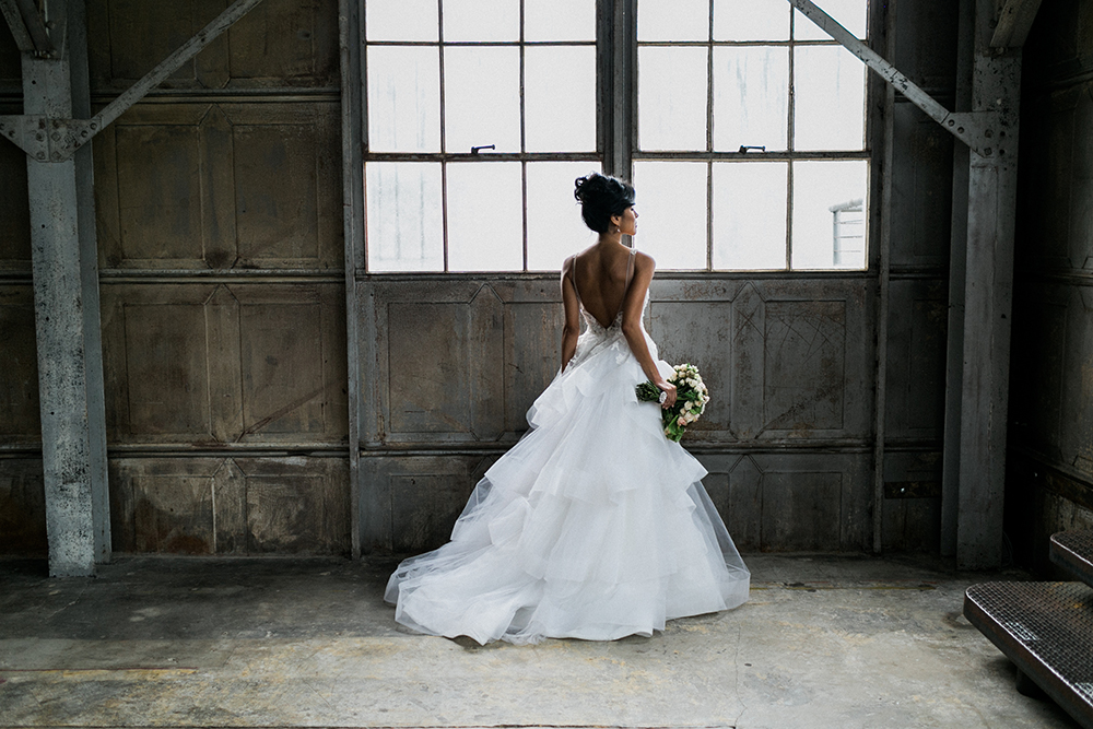 industrial wedding - photo by Alexis June Weddings http://ruffledblog.com/industrial-glam-wedding-inspiration