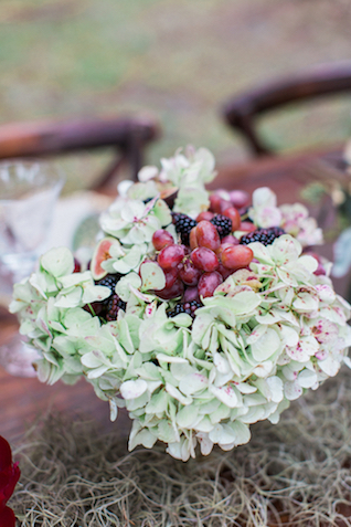 Hydrangea and grape centerpiece | Flora + Fauna Photography