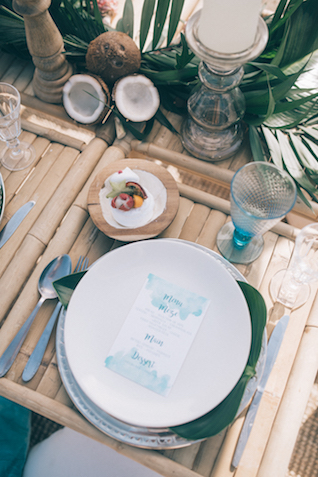 Blue watercolor wedding menus | Paulina Weddings Photography