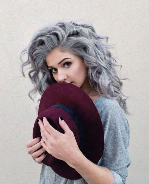 chic grey wavy hair