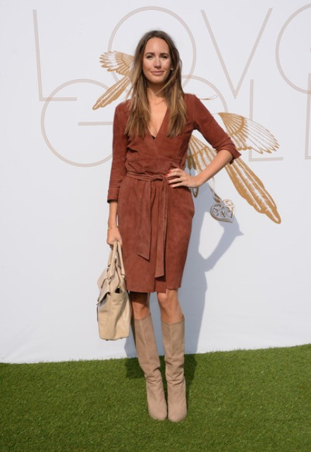 With suede knee-length dress and beige bag