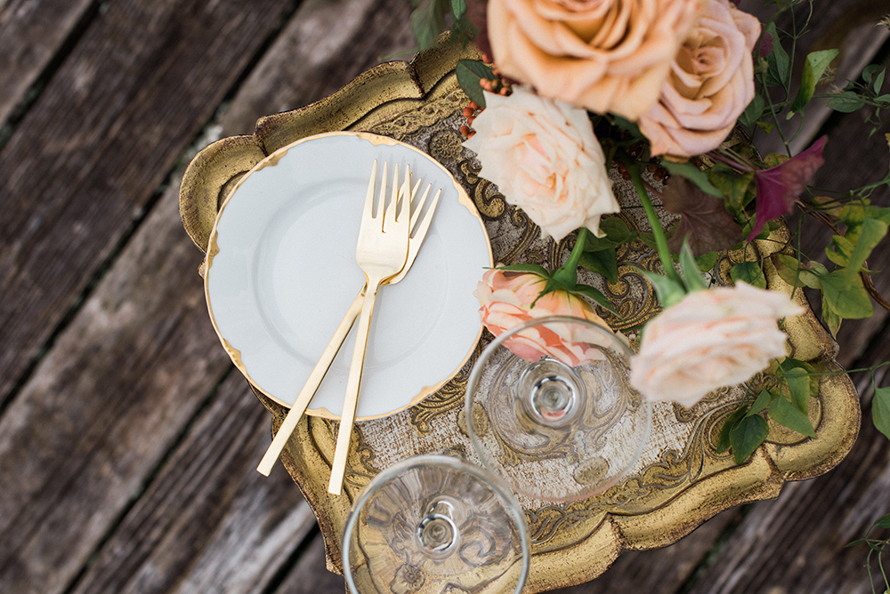 cake plates - photo by Christa Breaugh Photography http://ruffledblog.com/early-fall-wedding-ideas