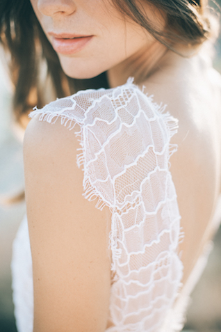 Lace wedding dress | Paulina Weddings Photography