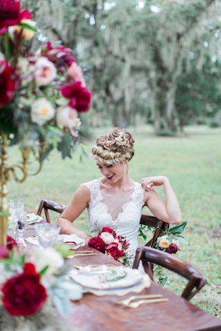 Crimson Florida outdoor wedding | Flora + Fauna Photography