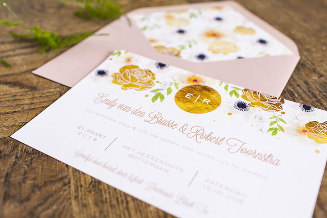 Gold foil and floral wedding invitations | Moniek van Gils Photography