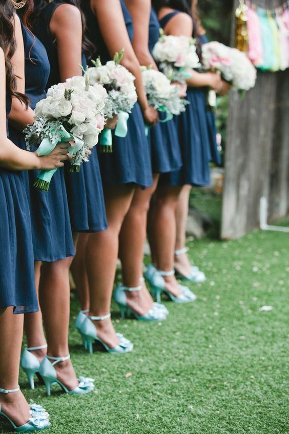 short navy dresses, mint shoes and bouquet wraps