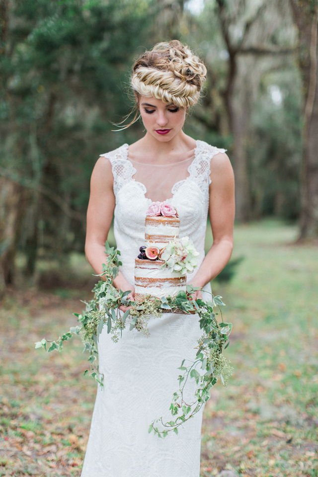 Naked cake with fig | Flora + Fauna Photography