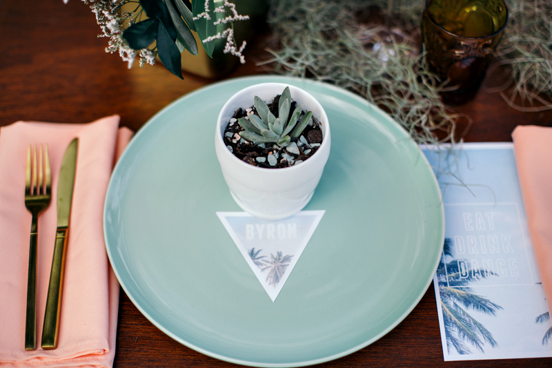 place setting - photo by Ivy Road Photography http://ruffledblog.com/palm-springs-inspired-wedding-editorial-from-australia