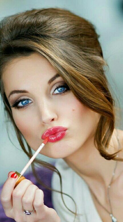 Use a moisturizing lipstick if your lips are in a good shape