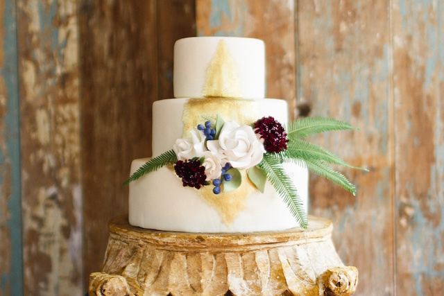 Gold painted wedding cake | Justina Bilodeau