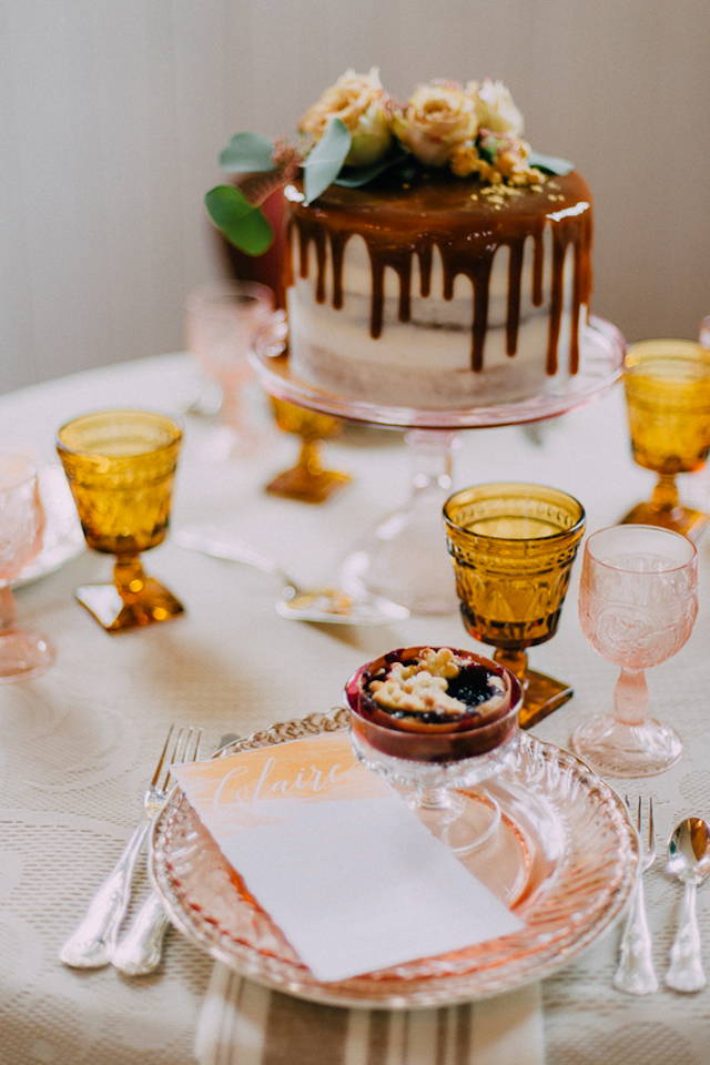 Butterscotch wedding cake | GingerSnap Photography