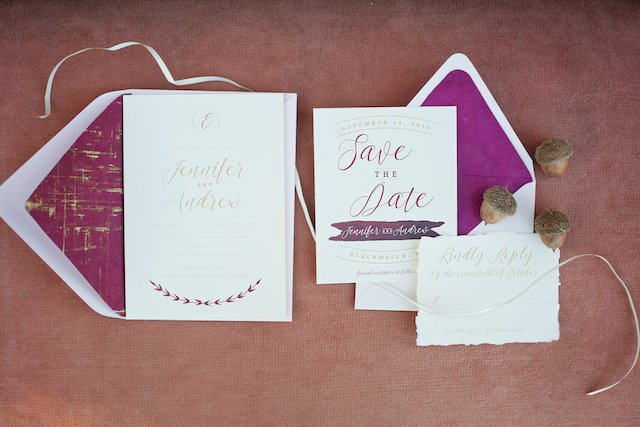 Cranberry and gold wedding invitations | elovephotos