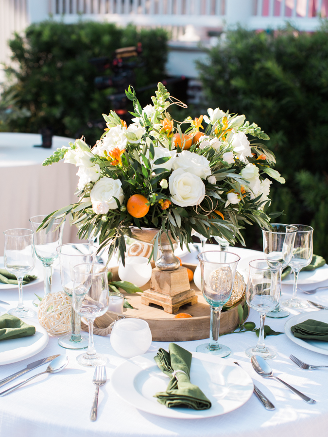 earthy wedding centerpieces - photo by Christina Pugh http://ruffledblog.com/fall-wedding-inspiration-from-the-big-fake-wedding