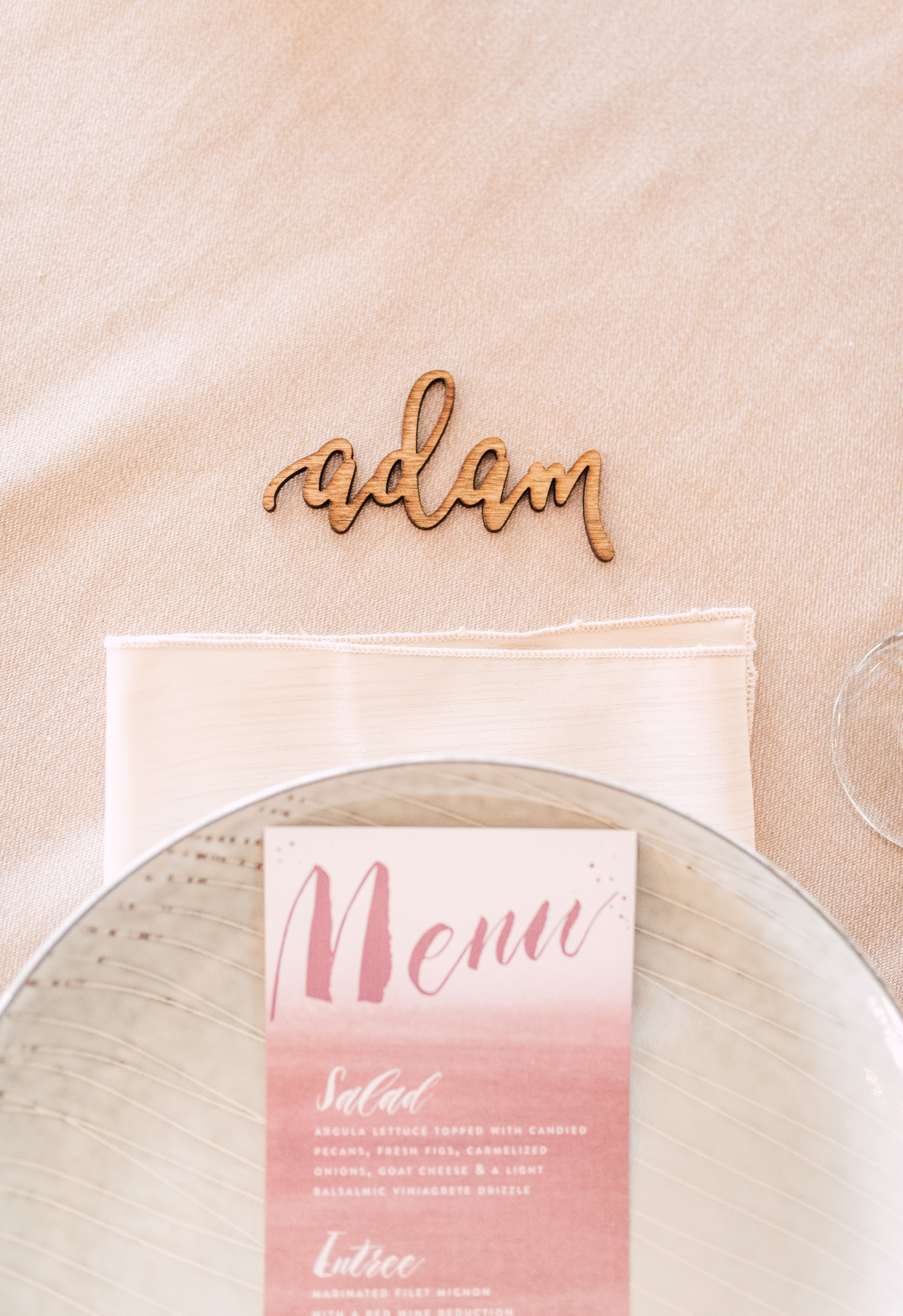 wood-carved place setting - photo by Victoria Isabel Photography http://ruffledblog.com/fall-wedding-inspiration-from-the-big-fake-wedding