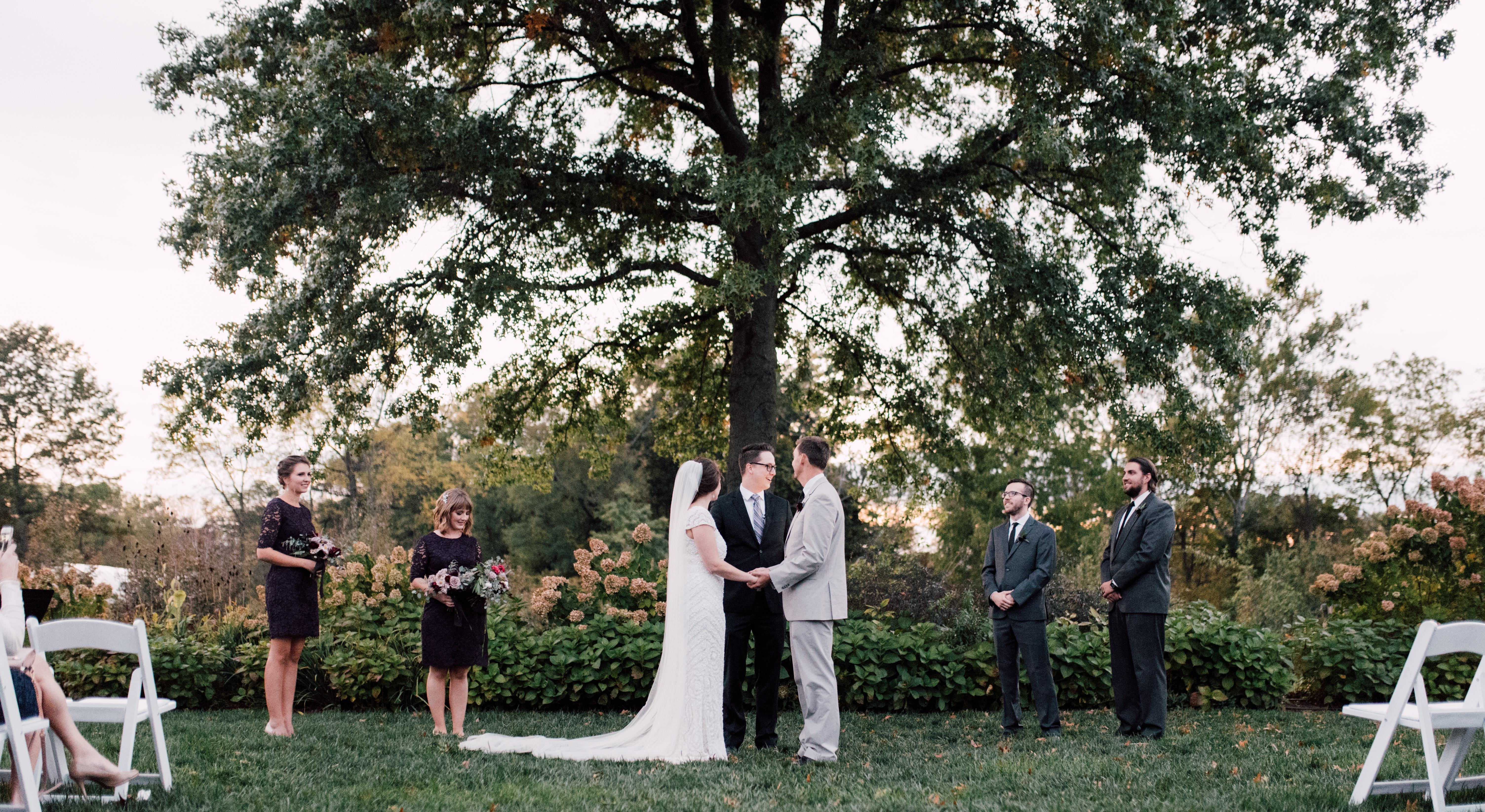 outdoor wedding ceremonies - photo by Victoria Isabel Photography http://ruffledblog.com/fall-wedding-inspiration-from-the-big-fake-wedding