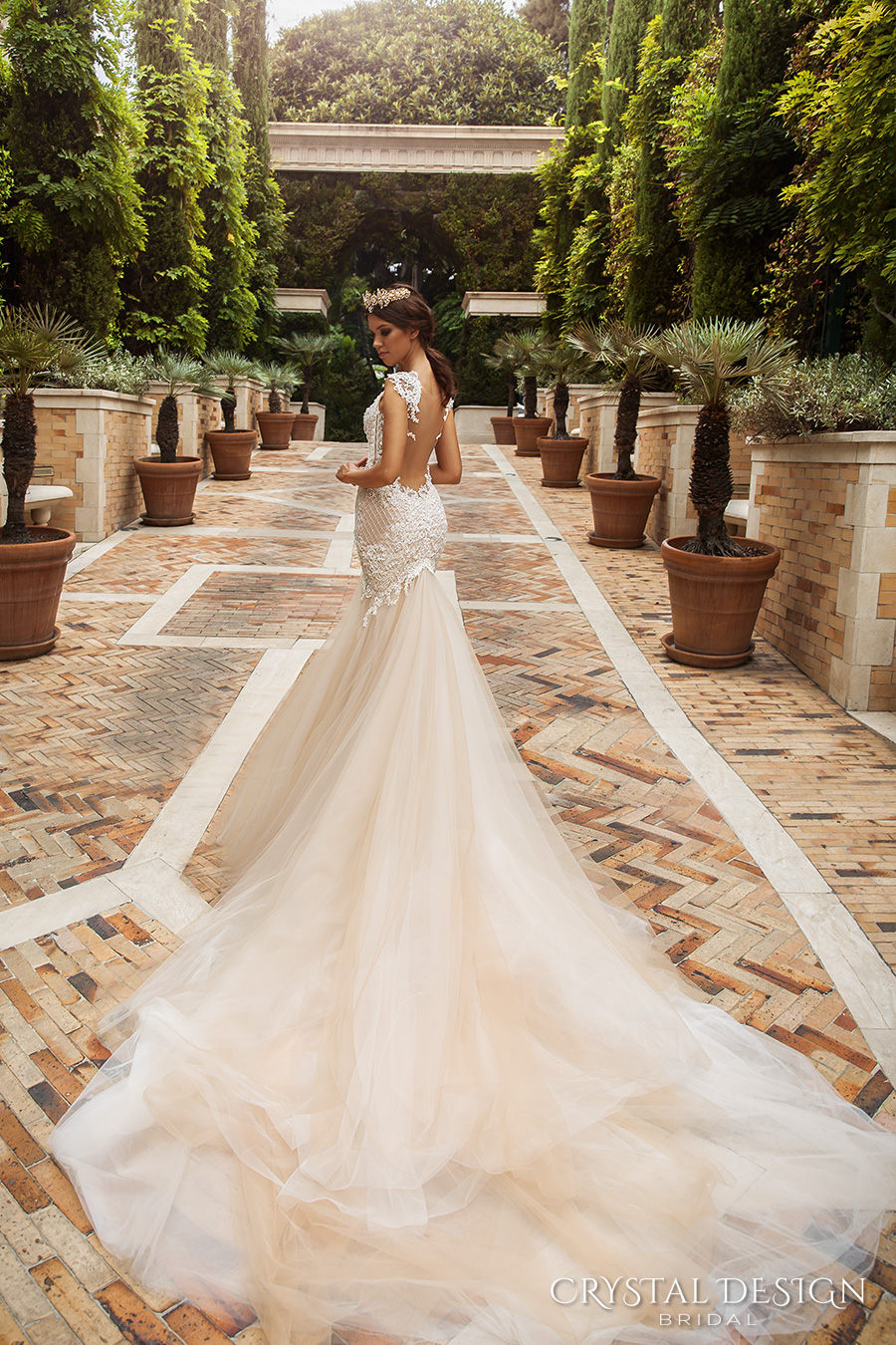 crystal design 2017 bridal sleeveless with strap sweetheart neckline heavily embellished bodice tulle fit and flare mermaid wedding dress low back royal train (solange) bv
