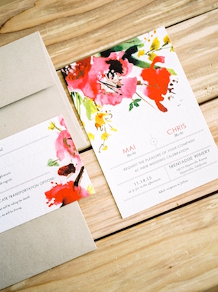 Modern floral wedding invitation | Love in Photographs