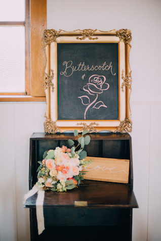 Butterscotch and rose wedding colors | GingerSnap Photography
