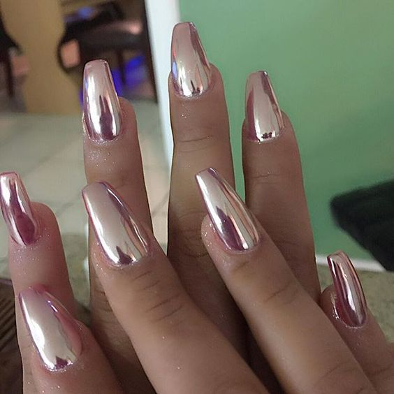 pink metallic nails for glam looks