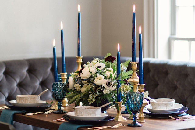Navy blue taper candles and anemone centerpiece | Justina Bilodeau
