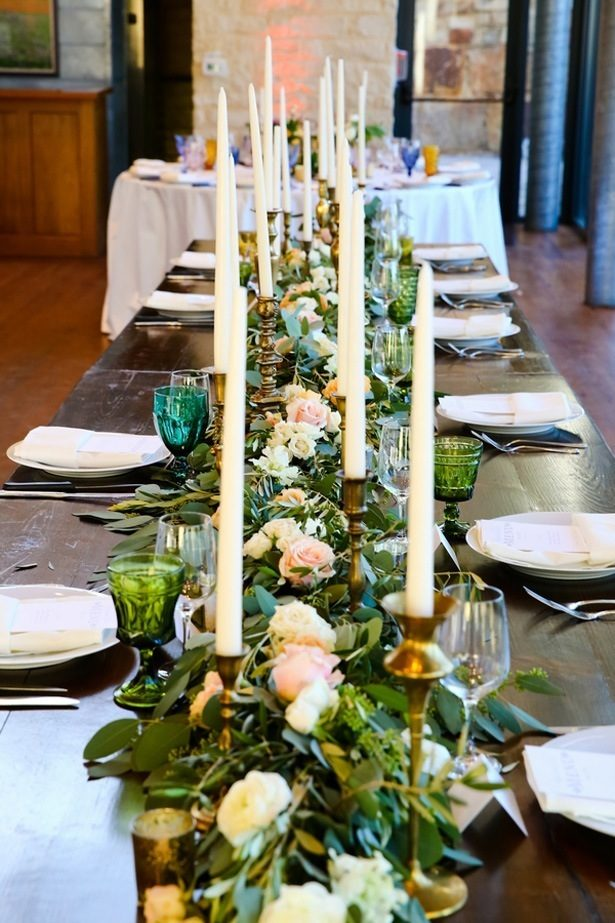 Garland centerpiece - Hyde Park Photo