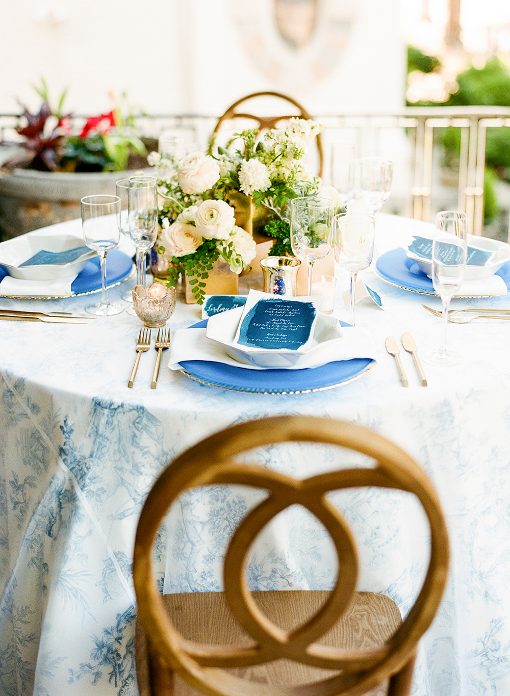 modern wedding reception - photo by Lisa Blume Photography http://ruffledblog.com/cyanotype-inspired-wedding-ideas