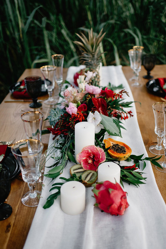 This tropical wedding shoot in Hawaii includes boho chic and art deco decor