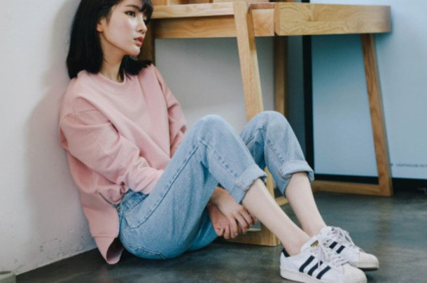 cool ways to wear outfits with adidas shoes (10)
