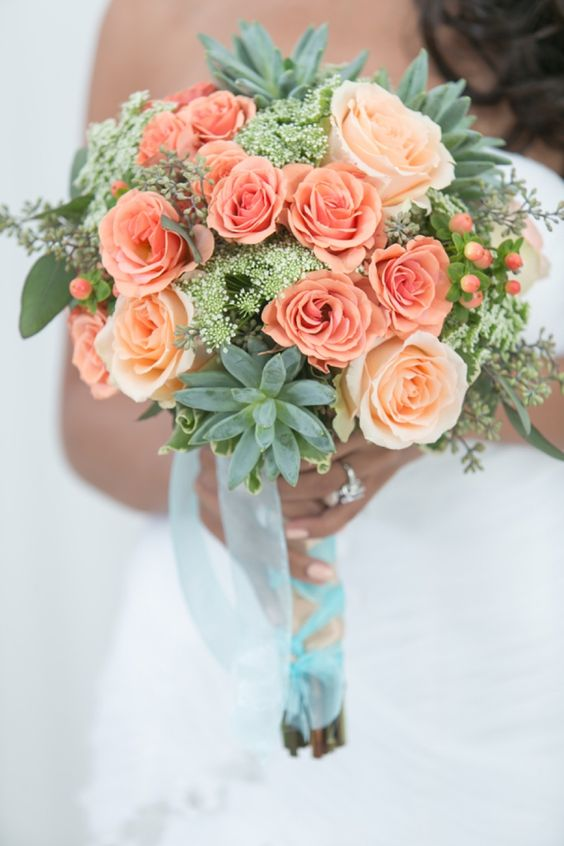peach-colored roses look fresh and subtle with mint-colored succulents