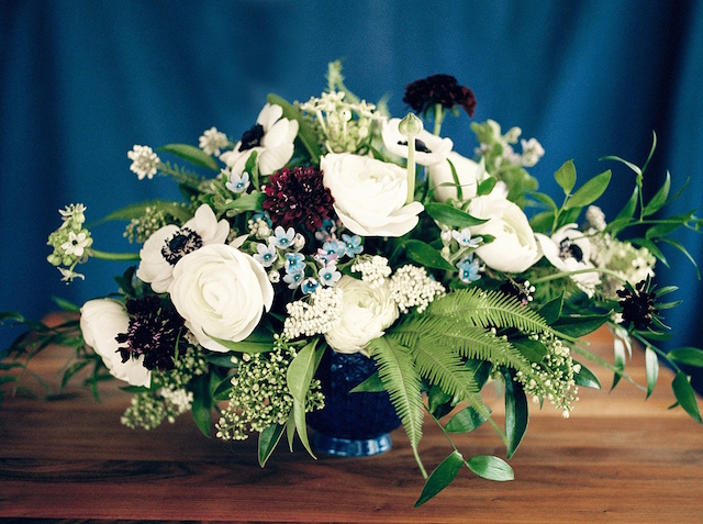Centerpieces with fern and white rose | Justina Bilodeau