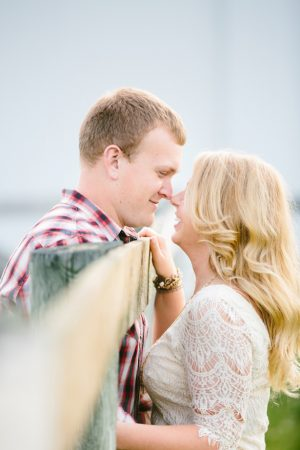 Beautiful engagement picture - Morgan Lindsay Photography