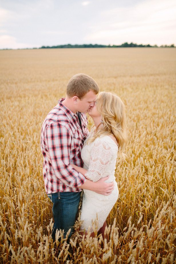 Country engagement picture - Morgan Lindsay Photography